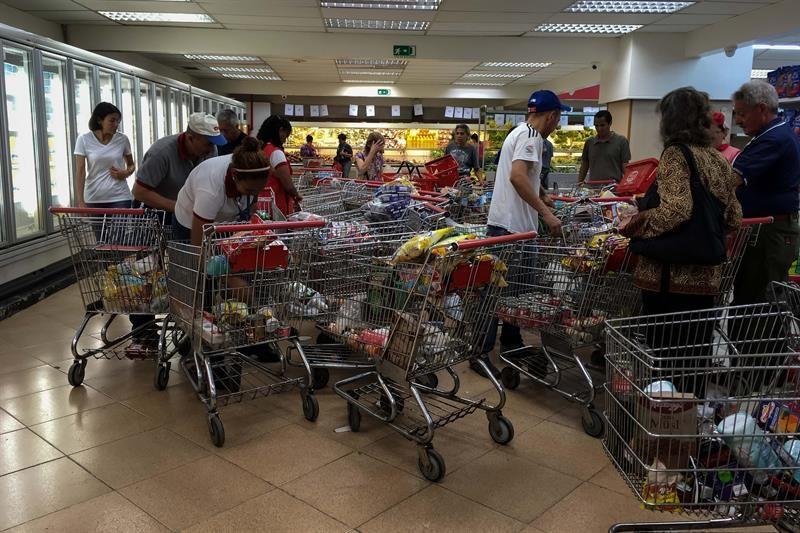 Régimen de Nicolás Maduro extendió horario permitido a abastos y supermercados durante la Navidad 1