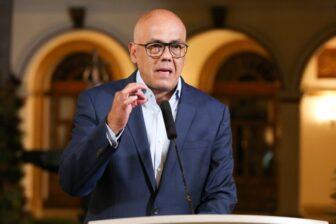 Jorge Rodríguez arremetió contra Leopoldo López y Juan Guaidó 1