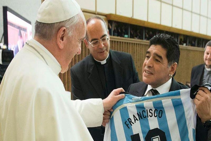 El papa Francisco afirmó que Maradona fue un poeta en la cancha 1