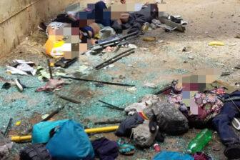"""Tres fallecidos y varios heridos en aparatoso accidente de autobús """"rojito"""" en Anzoátegui: se estrelló contra una barrera de concreto (Fotos) 2"""
