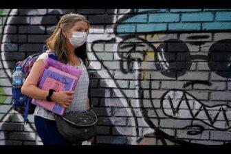 EEUU dice que la población vacunada puede ir sin mascarilla en exteriores 1