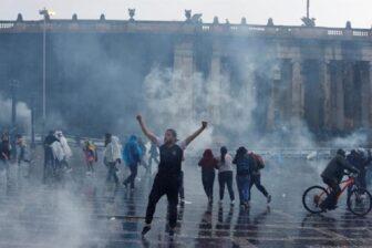 Al menos 17 muertos y 800 heridos en disturbios y protestas de los últimos días en Colombia 1
