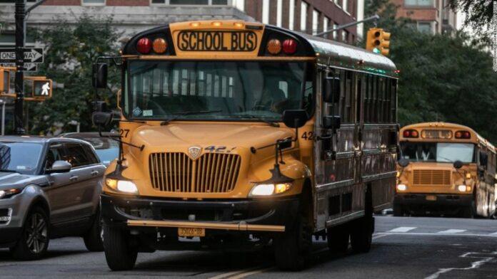Nueva York reabrirá por completo sus escuelas en septiembre 1