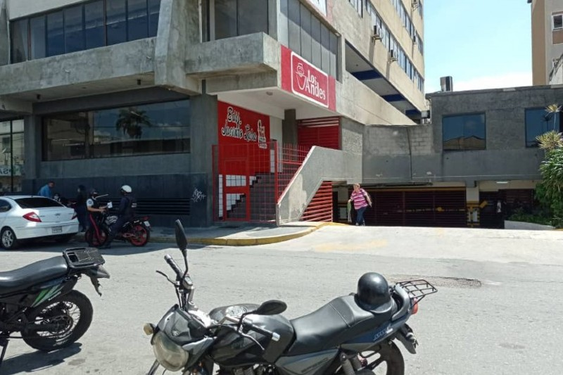 Reportan el suicidio de un gerente de Lácteos Los Andes en Lara tras anuncios de Tarek William Saab 34
