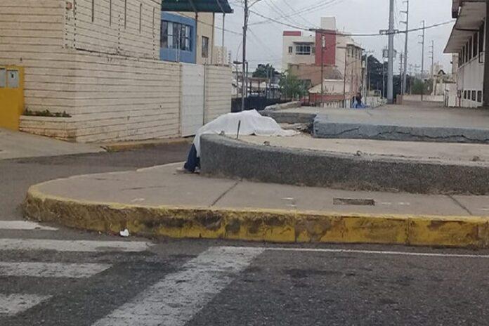 Muere de un infarto en la calle y le roban su bicicleta en el Zulia 1