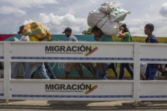 Pese a la reapertura fronteriza emitida por Colombia, el régimen de Maduro impide el acceso a Venezuela (Video)