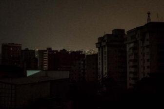 Falla eléctrica deja sin luz parte de Gran Caracas y varios estados
