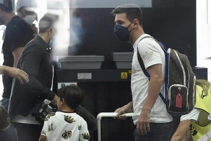 Messi vuela con su familia a París para firmar por el PSG 2
