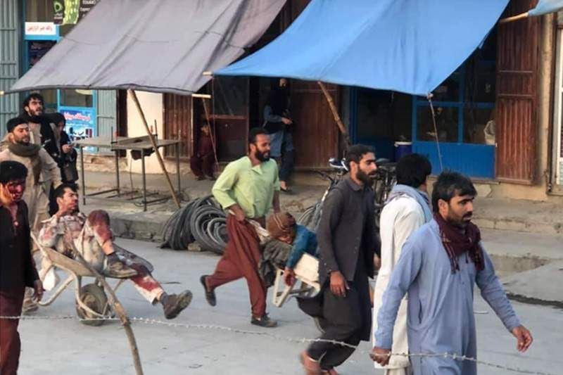 """Explosión en Kabul """"parece"""" un atentado suicida, según funcionarios estadounidenses 3"""
