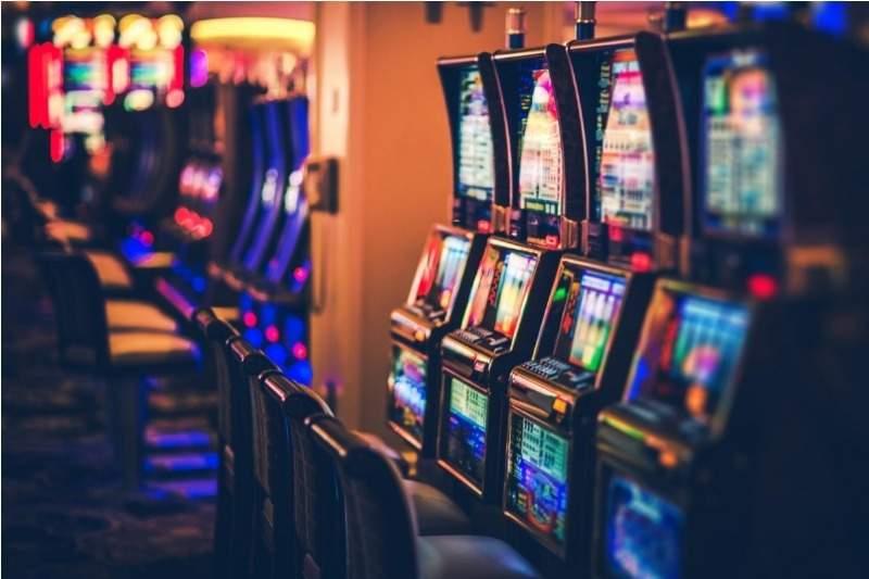 Gobierno habría autorizado reabrir 30 casinos, después de que Chávez ordenó cerrarlos 1