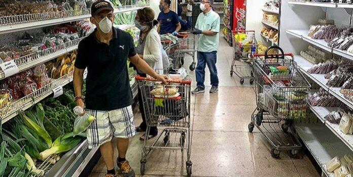 Canasta alimentaria subió a $305,09 en agosto 1